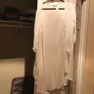 Anthropologie long white blouse with buttons Small